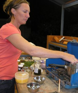 Robyn brought a portable kitchen-chemistry lab with her for the SKIPAS demonstration